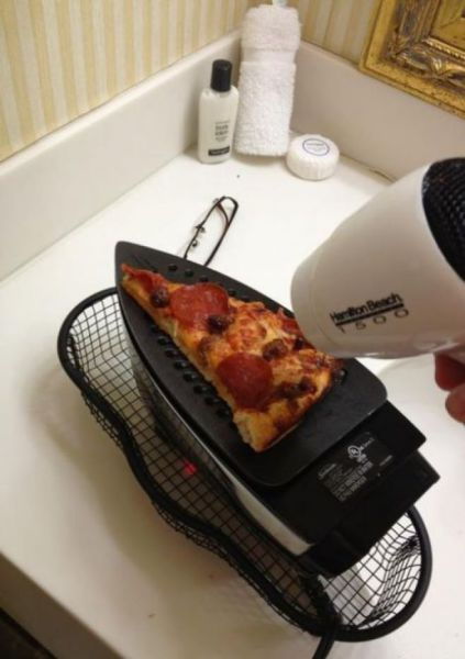 Alternative way to reheat your couch-pizza
