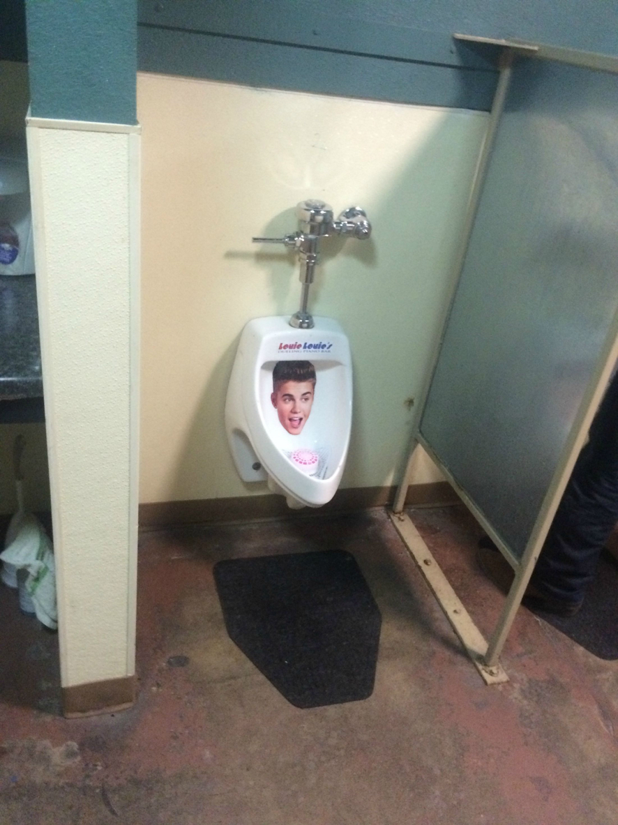 A bar that lets you R. Kelly on Justin Bieber